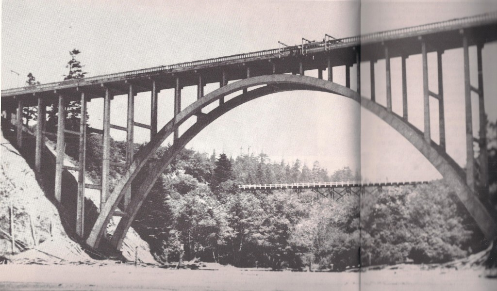 Russian Gulch Bridge being buil - note the old wooden trestle in the background