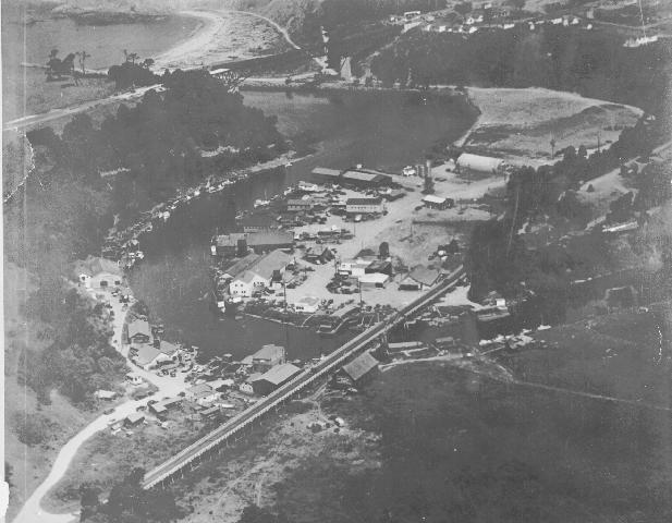 Noyo with both bridges in. 1947 the new high bridge is not being use yet.