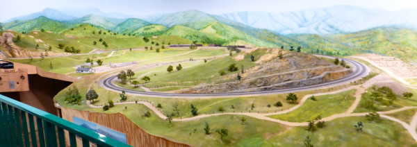 Tehachapi Loop in HO scale