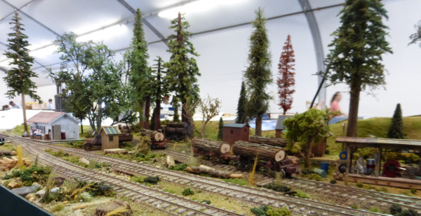 Small trackside lumber mill diorama