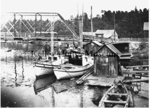 1920 Picture of fishing boats and fishing shack with second Noyo bridge in background