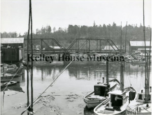 1920 Picture of fishing boats with second Noyo bridge in background