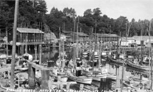 1930 Picture of Noyo River crowded with fishing boats