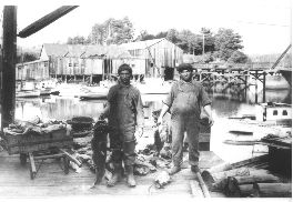 1930 Picture of fishermen weighing catch