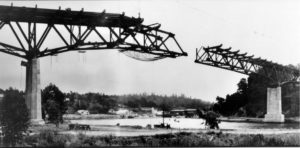1947 5th Noyo Bridge under construction