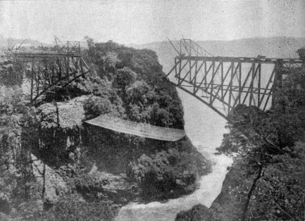 Victoria Falls Bridge in 1905