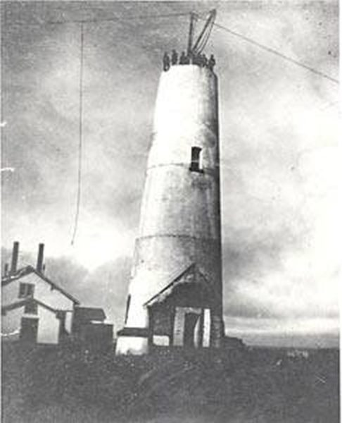 Point Arena Lighthouse being rebuilt after the 1906 earthquake